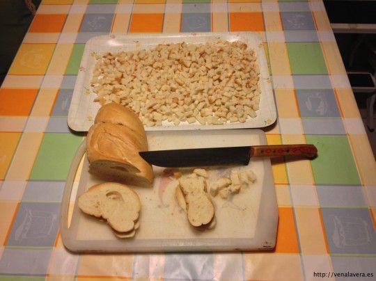 Pan picado para las migas