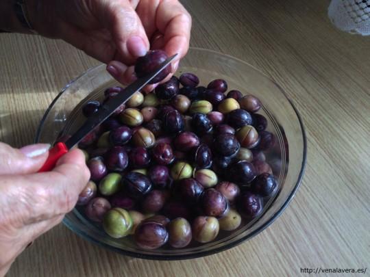 Cómo aliñar aceitunas negras