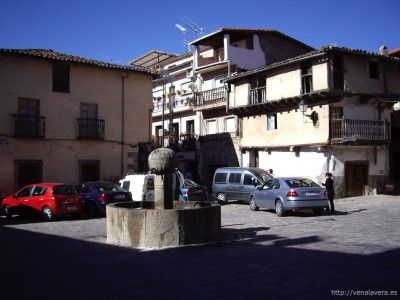 Plaza Mayor de Garganta La Olla