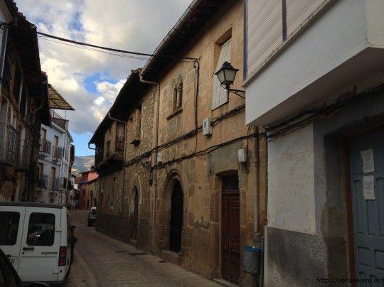 Calle típica de Cuacos de yuste