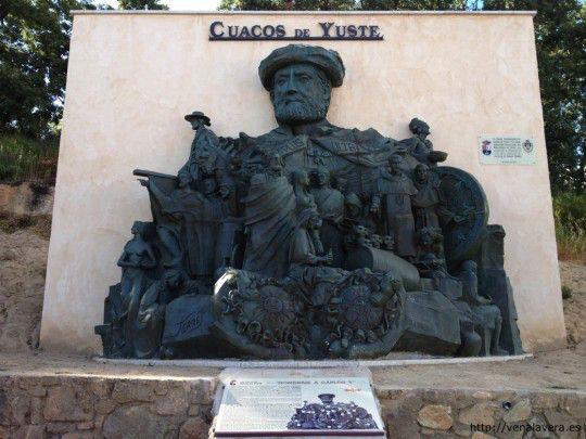 Monumento al emperador Carlos V en Cuacos de Yuste