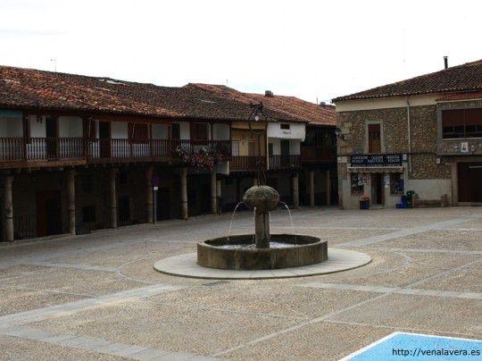 Plaza del pueblo de Cuacos de Yuste