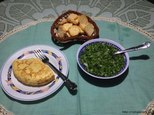 ensalada de borujas como acompañamiento de otros platos